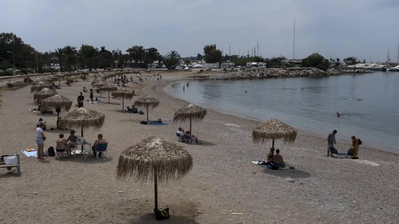 FT: Σπάνια η επιτυχία της Ελλάδας στην πανδημία του κορωνοϊού