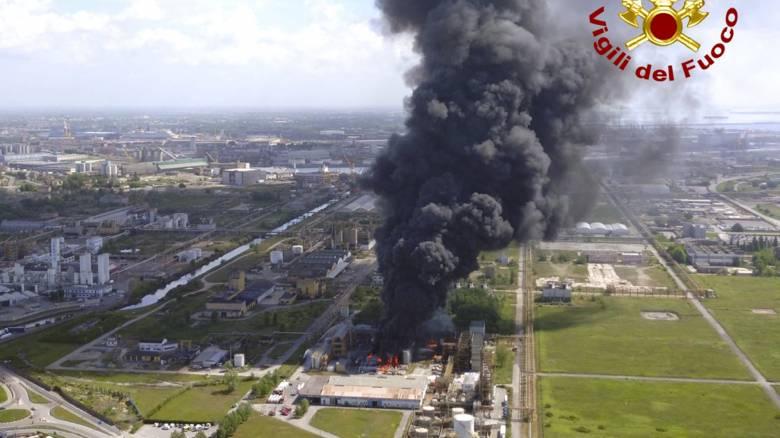 Ιταλία: Δύο τραυματίες από πυρκαγιά σε εγκαταστάσεις χημικής εταιρείας