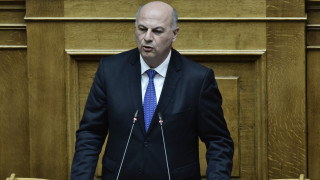 Κόντρα στη Βουλή για την ανάρτηση Σκέρτσου - Ο Τσιάρας στηρίζει τον υφυπουργό