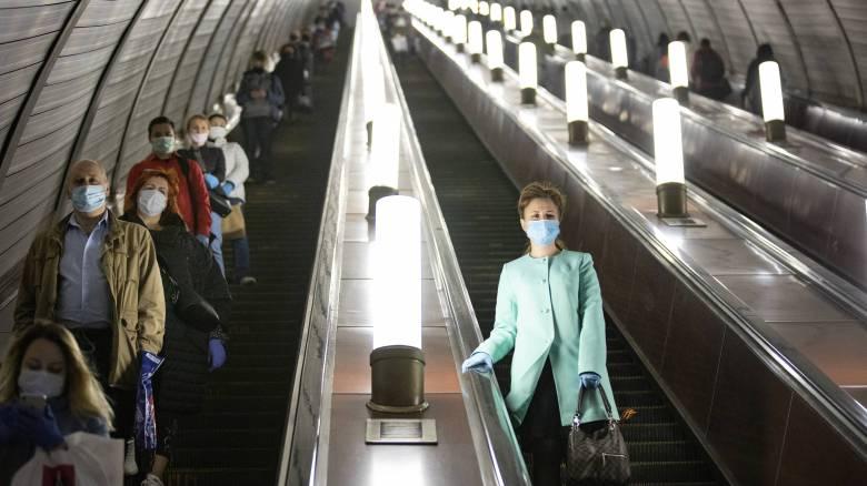 Κορωνοϊός - Ρωσία: Ασυμπτωματικοί το 50% των κρουσμάτων - Ξεκινούν μαζικά τεστ στη Μόσχα