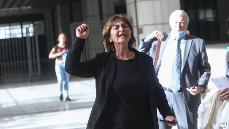 Δίκη Τοπαλούδη: «Καμία άλλη δολοφονημένη» - Τι λένε για την απόφαση οι γονείς της Ελένης