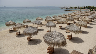 Άνοιξαν οι οργανωμένες παραλίες: Οι αποστάσεις και οι νέοι κανόνες
