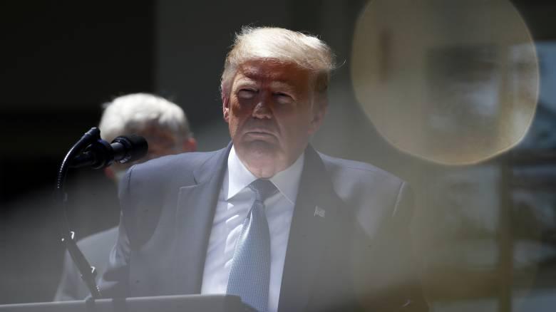 Η κυβέρνηση Τραμπ αποκαθιστά εν μέρει τη χρηματοδότηση του ΠΟΥ