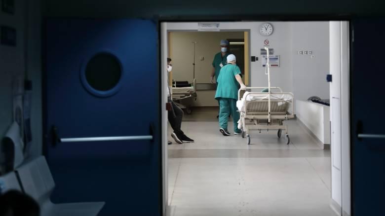 Κορωνοϊός: Άλλα δύο θύματα στη χώρα μας – Κατέληξαν ηλικιωμένες στο ΝΙΜΤΣ