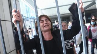 Δολοφονία Τοπαλούδη: «Τα ισόβια να είναι πραγματικά ισόβια» λέει η μητέρα της φοιτήτριας
