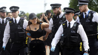 Κορωνοϊός: Διαδηλώσεις για την καραντίνα, δακρυγόνα και συλλήψεις σε Βρετανία - Πολωνία