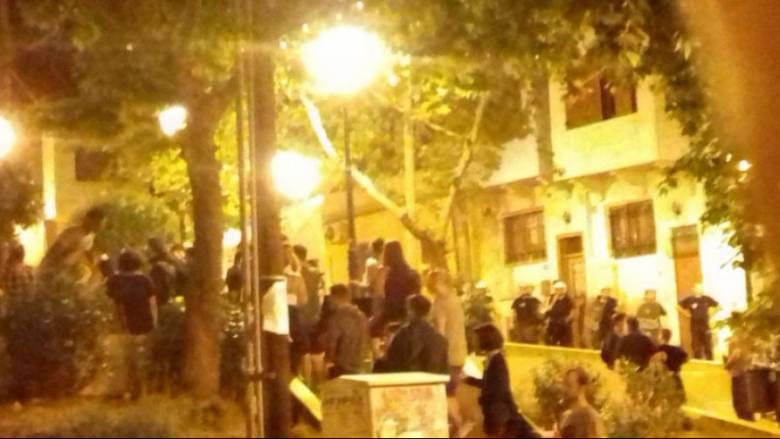 Επιχείρηση των ΜΑΤ σε πλατεία στην Άνω Πόλη Θεσσαλονίκης