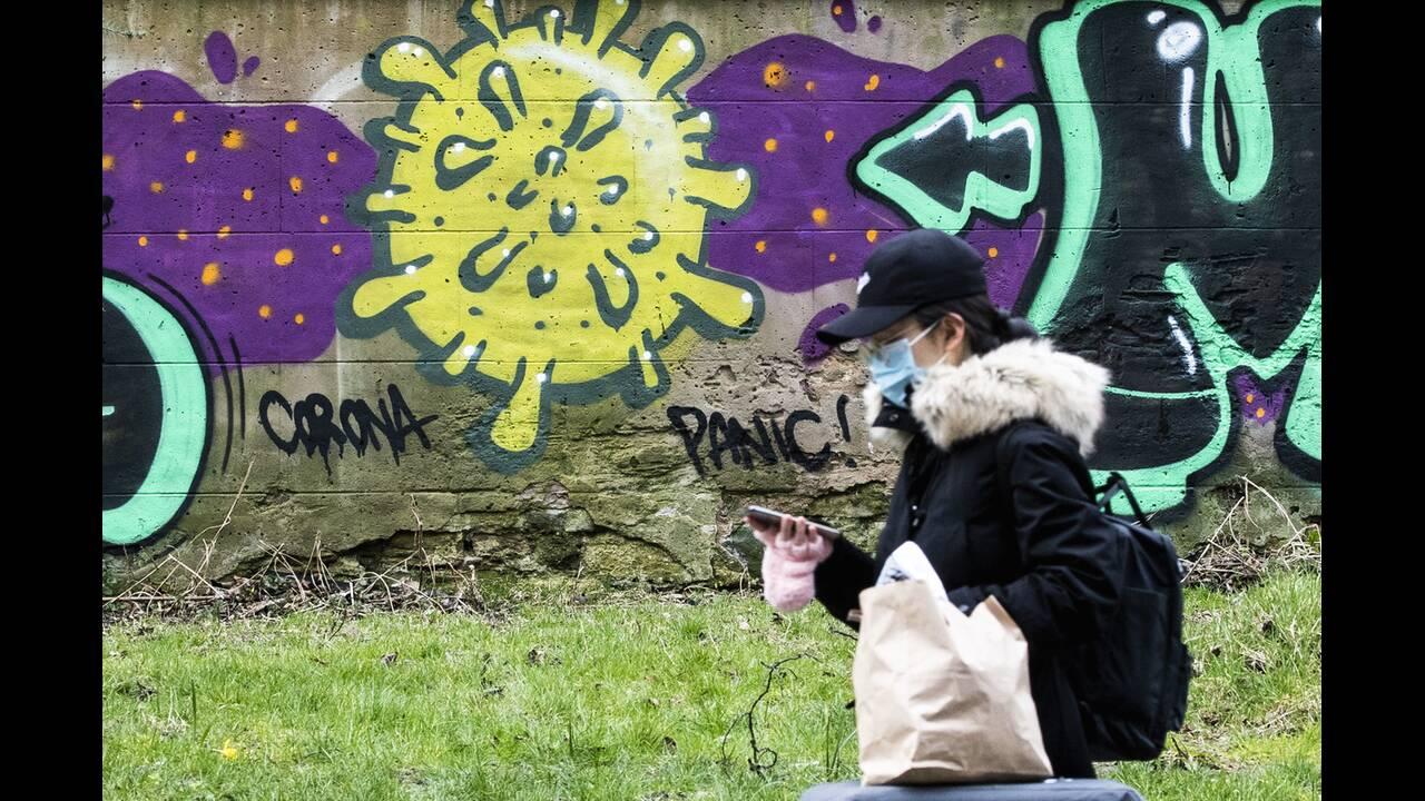 https://cdn.cnngreece.gr/media/news/2020/05/17/219660/photos/snapshot/graffiti_coronavirus-1.jpg