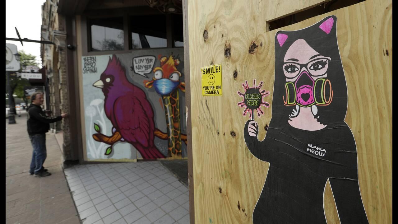 https://cdn.cnngreece.gr/media/news/2020/05/17/219660/photos/snapshot/graffiti_virus-4.jpg
