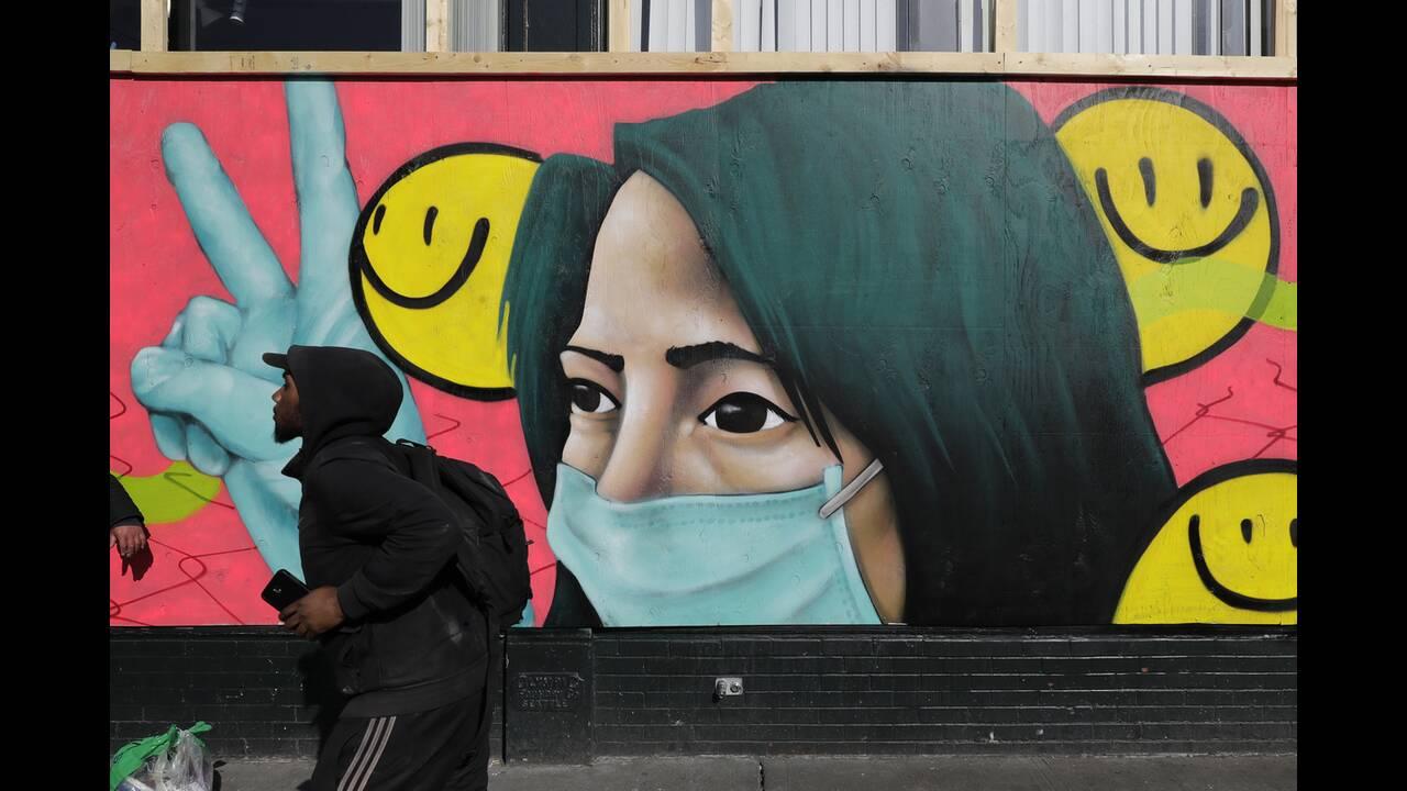 https://cdn.cnngreece.gr/media/news/2020/05/17/219660/photos/snapshot/graffiti_virus-6.jpg