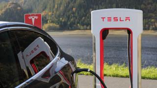H Tesla φέρνει την επανάσταση στα ηλεκτρικά αυτοκίνητα με φτηνές μπαταρίες μεγάλης διάρκειας ζωής;