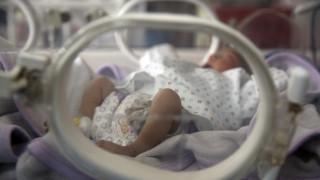 Ρωσία: Γεννήθηκε μωρό με κορωνοϊό