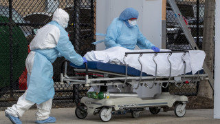 Κορωνοϊός στις ΗΠΑ: 820 νέοι θάνατοι εξαιτίας της πανδημίας τις τελευταίες 24 ώρες