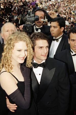 1992, Κάνες. Ο Τομ Κρουζ και η Νικόλ Κίντμαν στην πρεμιέρα της ταινίας τους Far and Away, στο Φεστιβάλ κινηματογράφου των Καννών.