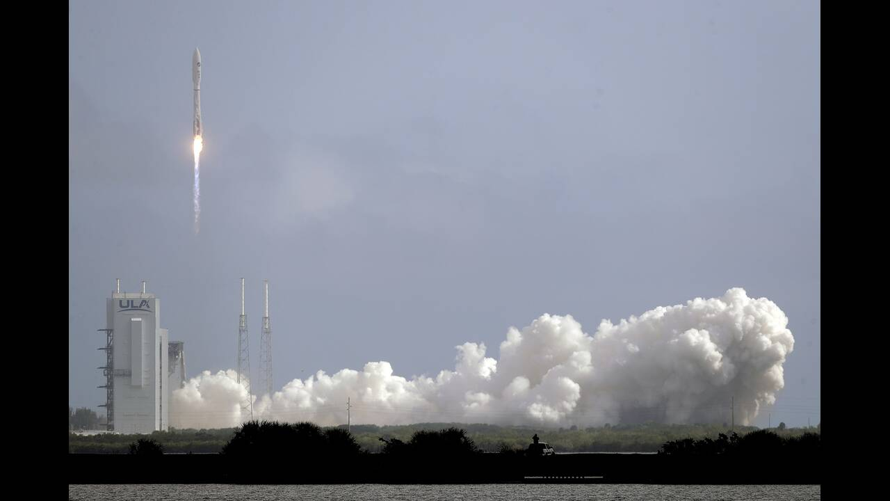 https://cdn.cnngreece.gr/media/news/2020/05/18/219739/photos/snapshot/rocket-3.jpg
