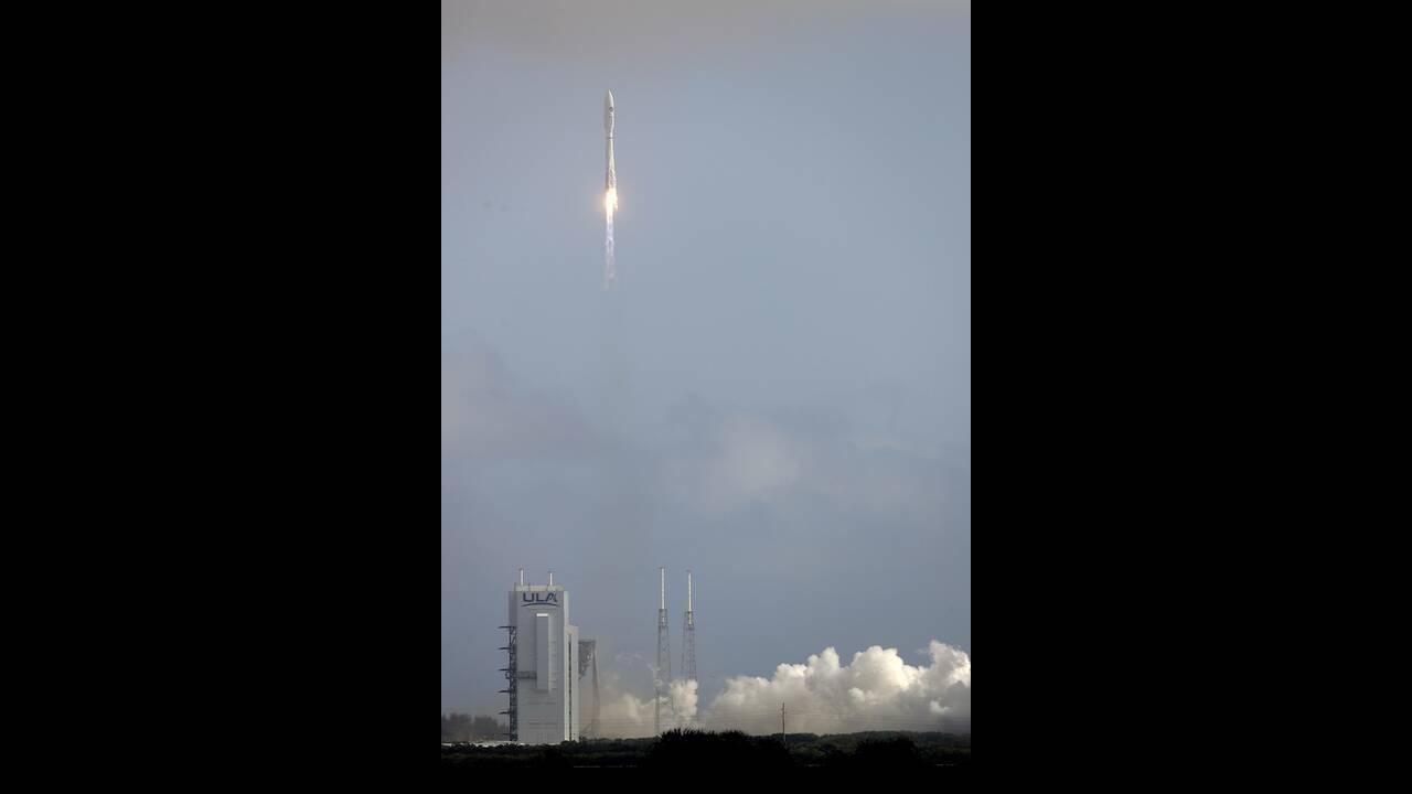 https://cdn.cnngreece.gr/media/news/2020/05/18/219739/photos/snapshot/rocket-4.jpg