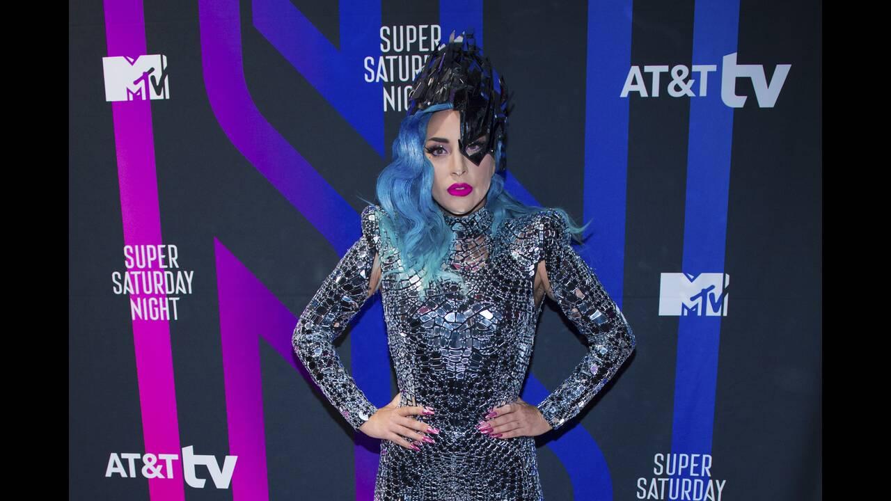 Lady Gaga: Το πλήρες πραγματικό της όνομα είναι Στέφανι Τζοάν Αντζελίνα Τζερμανότα. Δικαίως το άλλαξε...