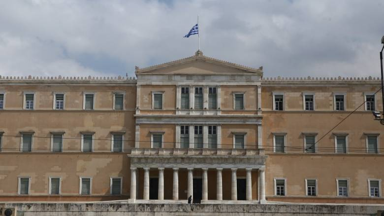 Η ιστορική αίθουσα Τροπαίων της Βουλής μετατρέπεται σε αίθουσα συνεδριάσεων λόγω κορωνοϊού