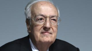 Ο Ιταλός δημοσιογράφος φαρσέρ ξαναχτύπησε - «Πέθανε» τον Χρήστο Σαρτζετάκη