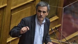 Τσακαλώτος σε Σταϊκούρα: Χρέος του ΥΠΟΙΚ είναι να συγκρατήσει ανεργία και ύφεση