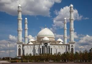 Το τζαμί Νουρ Αστάνα στη Νουρσουλτάν.