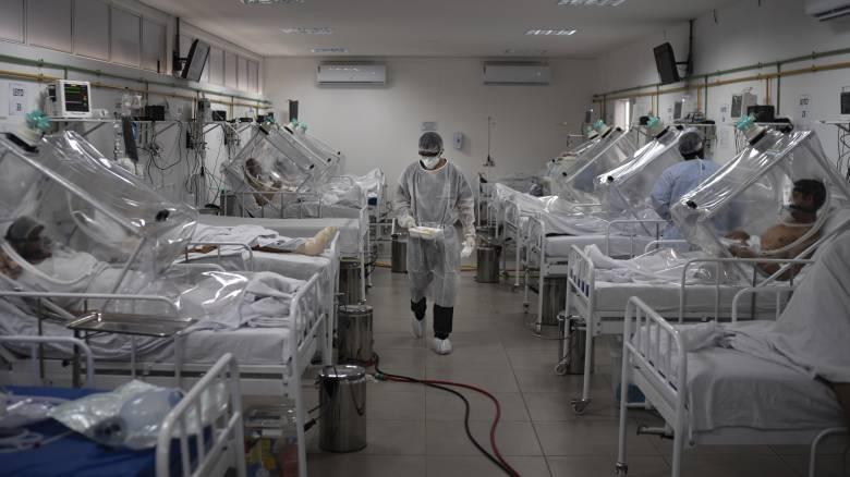Κορωνοϊός: Αρνητικό ρεκόρ θανάτων στη Βραζιλία με ακέφαλο το υπουργείο Υγείας