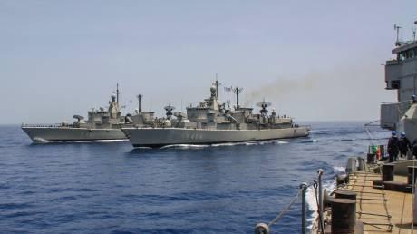 Εντυπωσιακές εικόνες: Κοινή άσκηση Ναυτικού και Αεροπορίας σε Μυρτώο και Κρητικό πέλαγος