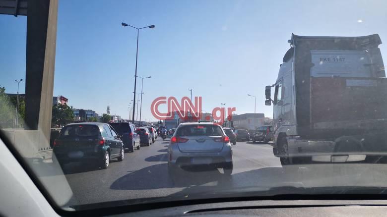 Αθηνών - Λαμίας: Μποτιλιάρισμα στην εθνική οδό λόγω τροχαίου