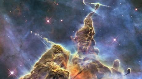 Τα 30 χρόνια από την εκτόξευση του Hubble μέσα από 30 εντυπωσιακές φωτογραφίες του