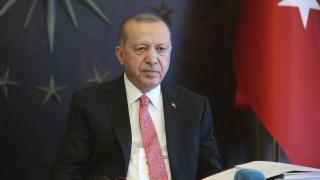 Αγωνιά ο Ερντογάν: Έκτακτη σύσκεψη με τους επιτελείς των ενόπλων δυνάμεων