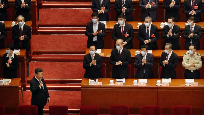 Κορωνοϊός: H Κίνα απειλεί με «αντίμετρα» σε περίπτωση αμερικανικών κυρώσεων