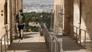 Καθησυχάζει ο Χαρδαλιάς: Χωρίς κίνδυνο για τη δημόσια υγεία το άνοιγμα του τουρισμού