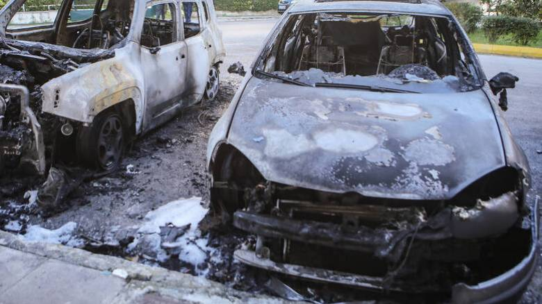 Ανάληψη ευθύνης για μπαράζ επιθέσεων σε σούπερ μάρκετ, αυτοκίνητα και ΑΤΜ