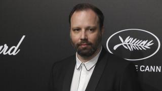 Ο Γιώργος Λάνθιμος επιστρέφει με ένα γοτθικό γουέστερν από το σεναριογράφο της «Ευνοούμενης»