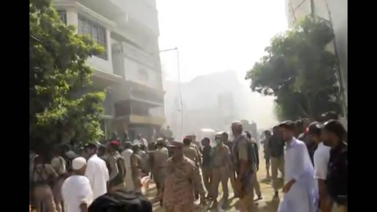 https://cdn.cnngreece.gr/media/news/2020/05/22/220358/photos/snapshot/syntrivi-aeroskafous-pakistan.jpg