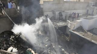 Συνετρίβη αεροσκάφος με 107 επιβάτες στο Πακιστάν