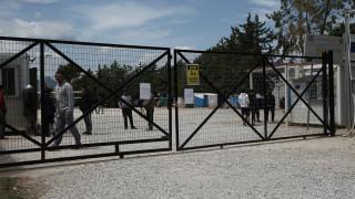 ΣΥΡΙΖΑ και ΚΙΝΑΛ καταγγέλλουν τον διορισμό ακροδεξιού ως διοικητή σε προσφυγική δομή