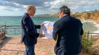 Επίσκεψη Χατζηδάκη στο Μάτι: Να κλείσουν οι πληγές, χωρίς τις παθογένειες του παρελθόντος
