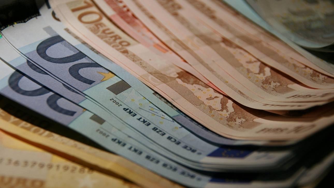 Το χρονοδιάγραμμα πληρωμής για τις ειδικές αποζημιώσεις των 534 ευρώ και 800 ευρώ