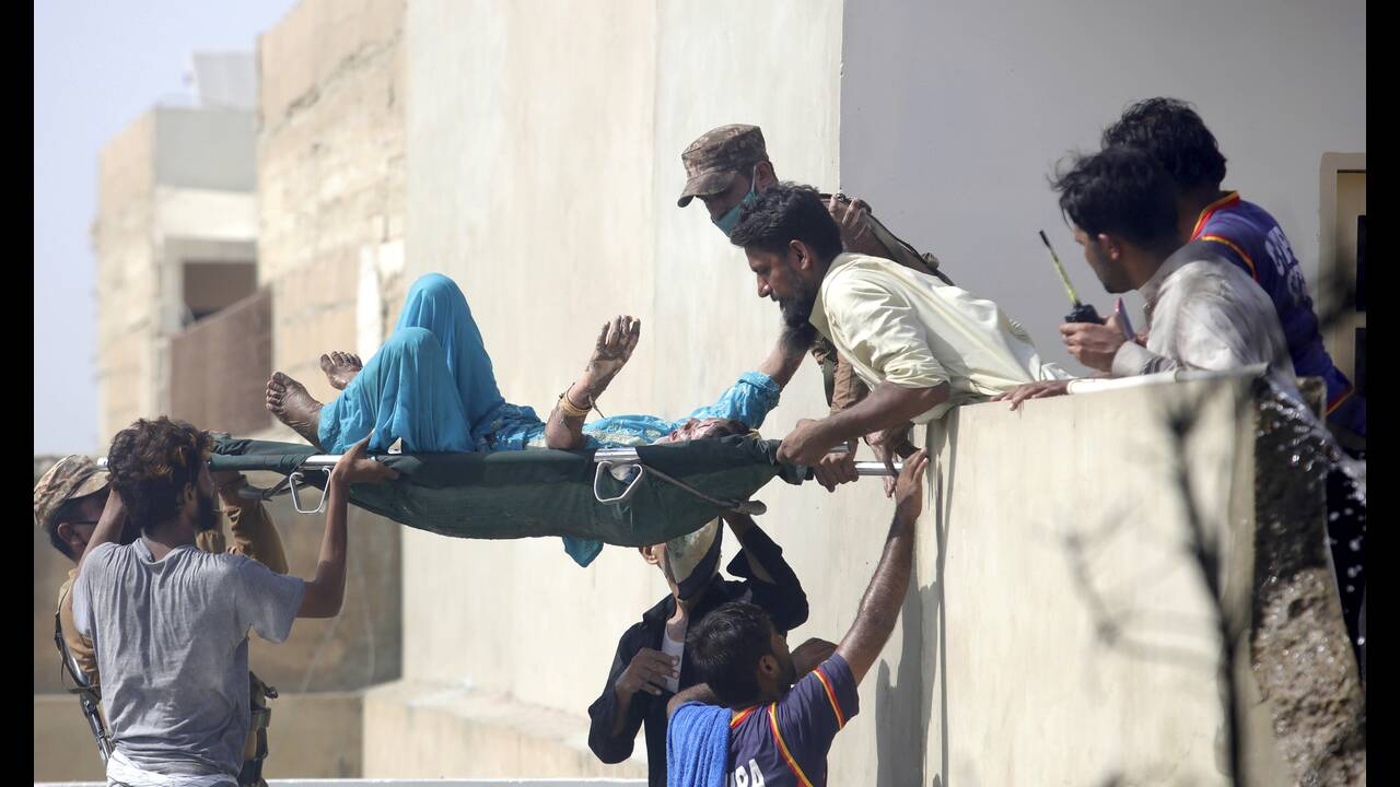 https://cdn.cnngreece.gr/media/news/2020/05/22/220415/photos/snapshot/tragodia-pakistan-1.jpg