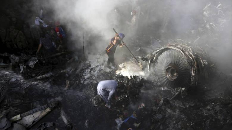 Τραγωδία στο Πακιστάν - «Χάσαμε έναν κινητήρα»: Τα τελευταία λόγια του πιλότου πριν τη συντριβή