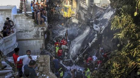 Συντριβή αεροσκάφους στο Πακιστάν: Εντοπίστηκαν τα δύο μαύρα κουτιά