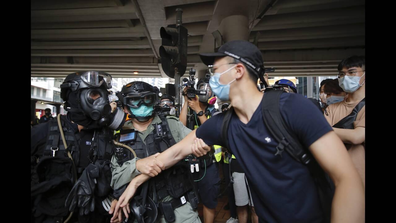 https://cdn.cnngreece.gr/media/news/2020/05/24/220579/photos/snapshot/hong-kong-6.jpg