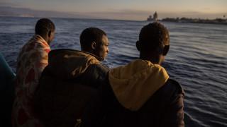 Ιταλία: Περίπου 400 μετανάστες αποβιβάστηκαν στη Σικελία