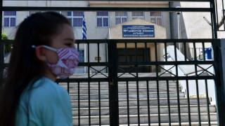 Άνοιγμα δημοτικών: Επιστρέφουν στα θρανία οι μικροί μαθητές την 1η Ιουνίου