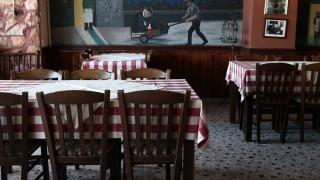 Ανοίγει η εστίαση: Πώς θα λειτουργούν από σήμερα εστιατόρια, καφετέριες και μπαρ