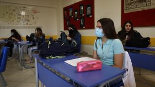Άνοιγμα σχολείων: «Στο πνεύμα των μέτρων οι μαθητές» λέει ο καθηγητής ιολογίας, Σουρβίνος