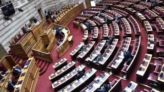 Στη Βουλή οι δύο ΠΝΠ με τα επείγοντα μέτρα για την αντιμετώπιση των συνεπειών της κρίσης