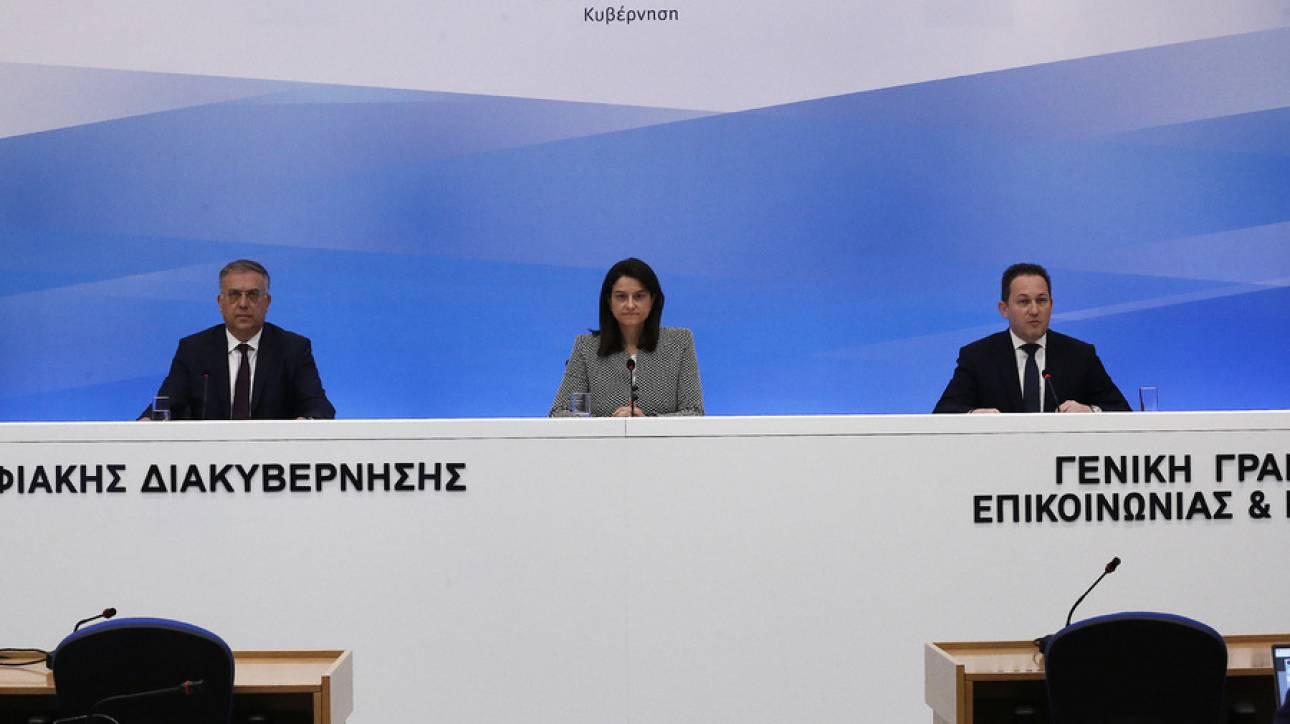 Κεραμέως στο CNN Greece: Δεν υπάρχει επιστροφή στην κανονικότητα, αν δεν ανοίξουν τα σχολεία
