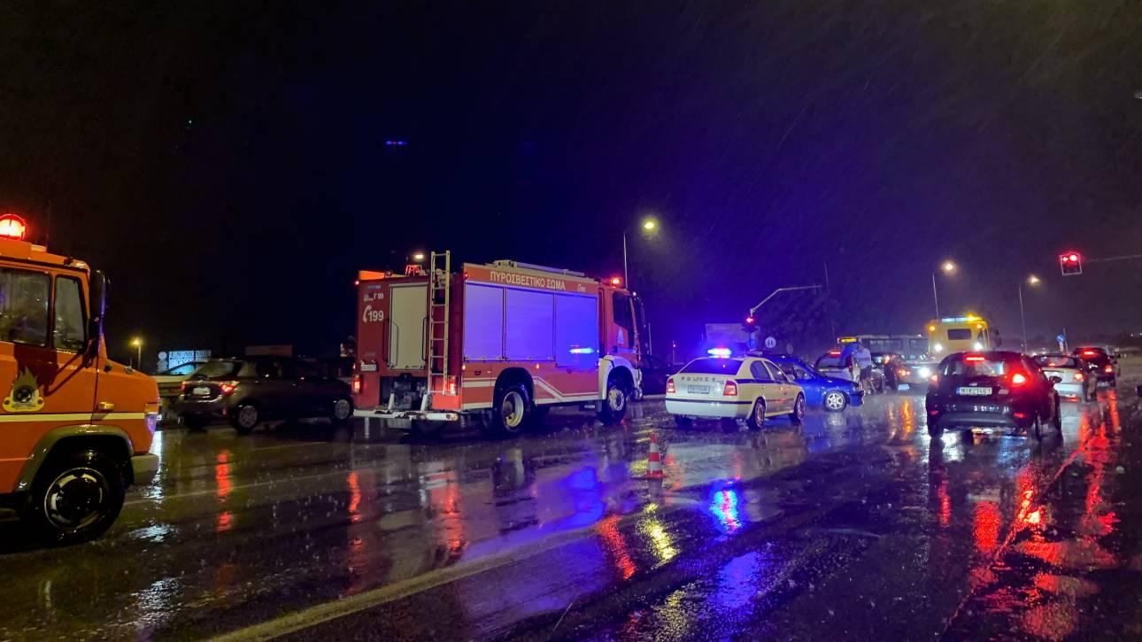 Πάτρα: Τροχαίο δυστύχημα με θύμα ηλικιωμένο - Το όχημά του «εισέβαλε» σε συνεργείο